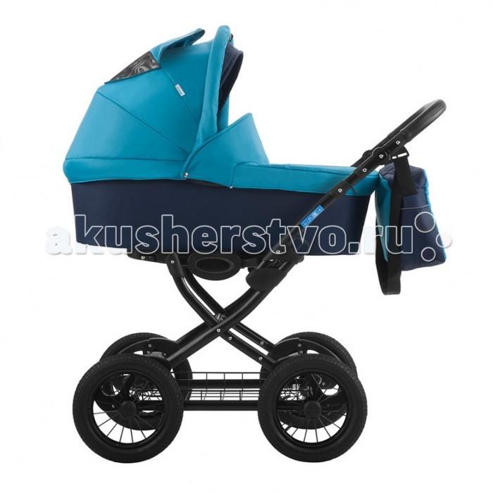 Коляска Aroteam Cocoline 2 в 1Cocoline 2 в 1Коляска Aro Team Cocoline — классическая коляска на больших надувных колесах с хорошей амортизацией на пружинах.  Для новорожденных в первую очередь на раму устанавливается люлька, которая глубокая и широкая, что позволит использовать ее в зимнее время.  Когда ваш малыш научится самостоятельно сидеть, вы снимаете люльку и устанавливаете прогулочный блок, в котором спинка также наклоняется до горизонтального положения и ваш ребенок комфортно сможет спать во время прогулок.   Особенности:  амортизация на всех колесах люлька непродуваемая, широкая — 38 см, и длинная — 78 см в люльке подголовник регулируется, матрасик снимается капюшон регулируется бесшумно прогулочный блок реверсивный, его можно ставить в двух направлениях подножка регулируется, удлиняя спальное место на подножке специальное покрытие (не пачкается коляска) четыре положения спинки удобный и практичный ножной тормоз, педального типа корзина для покупок удобная и вместительная<br>