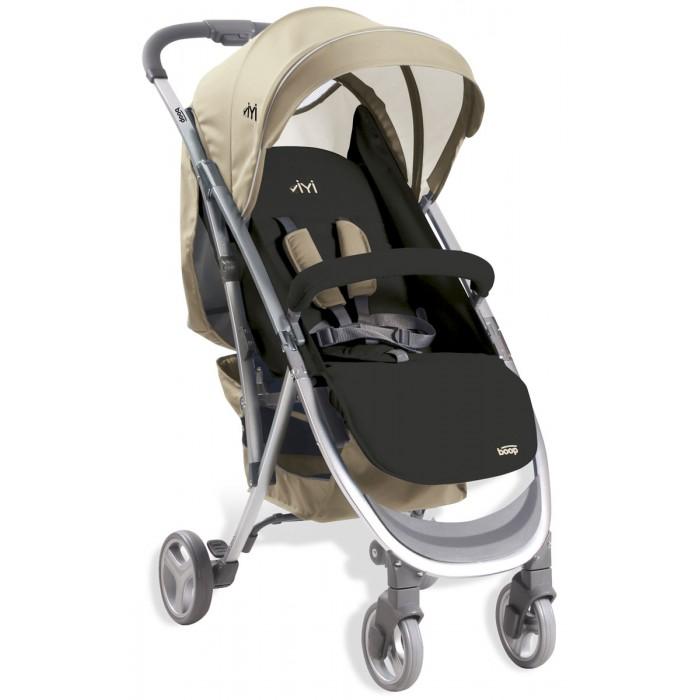 Прогулочная коляска Asalvo YiyiYiyiПрогулочная коляска Asalvo Yiyi — стильная прогулочная коляска с набором полезных функций. Отлично подойдет для малышей от 6 месяцев и станет настоящим помощником маме на прогулке.   Большой и функциональный капюшон легко регулируется, имеет козырек, смотровое окошко (наблюдать за малышом), а также карман для необходимых мелочей. За безопасность ребенка отвечают пятиточечные ремни (имеют мягкие накладки), а также бампер. Бампер нисколько не помешает посадке ребенка в коляску: отведите его в сторону, посадите малыша и заведите бампер обратно. Спинка регулируется до почти горизонтального положения (175 градусов) и в комплекте с регулируемой подножкой создает полноценное спальное место длиной 89 см.  Небольшая ширина рамы (всего 50 см) позволит гулять по узким улочкам и торговым центрам. Передние колеса поворотные, при необходимости блокируются. Коляска очень просто складывается: буквально одним нажатием на кнопку на ручке. Складывается в компактную книжку, не занимает много места, очень легкая в транспортировке и хранении.  В комплекте к коляске идет дождевик.   Сидение: Для детей от 6 месяцев Максимальный вес ребенка: 15 кг Пятиточечные ремни с мягкими накладками Съемный защитный бампер, обтянут тканью Подножка регулируется (2 положения) Спинка регулируется до почти горизонтального положения (175 градусов) Капюшон регулируется: имеет козырек, смотровое окошко и карман  Капюшон отлично защищает даже при полностью разложенной спинке.  Шасси: Легкая алюминиевая рама Текстильная корзина для покупок Передние колеса поворотные с блокировкой Ножной тормоз блокирует оба задних колеса Очень легко складывается, в сложенном виде фиксируется автоматически Складывается в компактную книжку, не занимает много места Удобно транспортировать, просто хранить.  Размеры и вес: Размеры коляски в собранном виде (дхшхв): 90х50х106 см Размеры коляски в сложенном виде (дхшхв): 70х50х38 см Высота спинки: 48 см Длина спального места (с учетом подножки): 89 см 