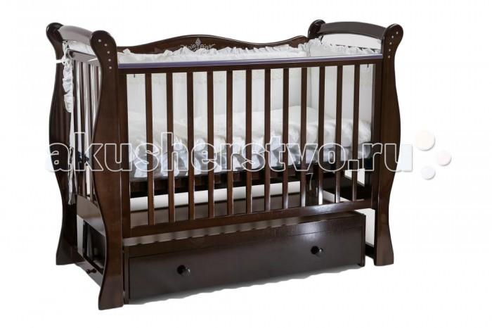 Детская кроватка Baby Luce Лучик поперечный маятникЛучик поперечный маятникBaby Luce Детская кроватка Лучик поперечный маятник - качественная кроватка для детей от рождения. Изготовлена в классическом стиле, поэтому подойдет под любой интерьер.  В технологии используются только гипоаллергенные лаки и эмали.  Для малыша предусмотрено особое расположение элементов ограждения кроватки, закругленные углы и безопасная краска, которая не повредит здоровью малыша даже при пробе на зуб. Мама оценит возможность легко и просто опустить боковину на 15-17 см, без лишних усилий укачать крошку. Кроватки производства Baby Luce комплектуются выдвижными ящиками для белья и все необходимое всегда есть под рукой в прямом смысле слова.   Есть накладка на поручни детской кроватки (грызунок), которая защищает зубки малыша и растущий организм от воздействия лака и краски   Широкий спектр цветовой гаммы. Маятник с двойным фиксатором. Инкрустация стразами. Боковые накладки из пищевого пластика. Боковое ограждение: возможность быстрого снятия, опускается, средние палочки - съёмные. Ящик: закрытый, глубокий, с бесшумными направляющими. Решётка подматрасника в два уровня. Качественная обработка древесины. Внутренние размеры ложа: 120 х 60 см.  Материал: массив кавказского бука.  Качание: поперечный маятниковый механизм.<br>