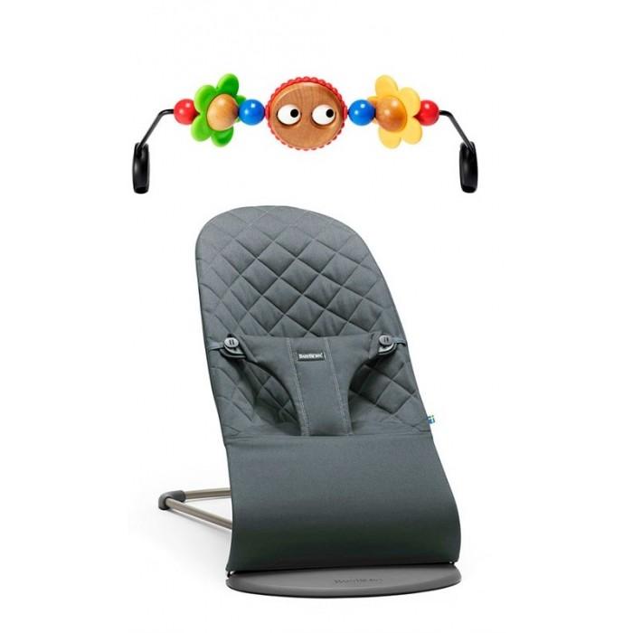 BabyBjorn Кресло-шезлонг Balance Bliss с игрушкой для кресла-качалкиКресло-шезлонг Balance Bliss с игрушкой для кресла-качалкиBabyBjorn Кресло-шезлонг Balance Bliss с игрушкой для кресла-качалки в одной упаковке теперь можно купить кресло-шезлонг Balance Bliss и специальную игрушку, которая крепится на кресло. Естественное раскачивание шезлонга развеселит и успокоит малыша. Прикрепите игрушку из комплекта, и карапуз проведет время еще веселее.  Детские товары из комплектов доступны и по одному, но при покупке их по отдельности, цена будет выше. Компактные промоупаковки подобраны таким образом, что товары дополняют друг друга, а значит, вам не нужно дополнительно тратить время на подбор аксессуаров к основной покупке.<br>