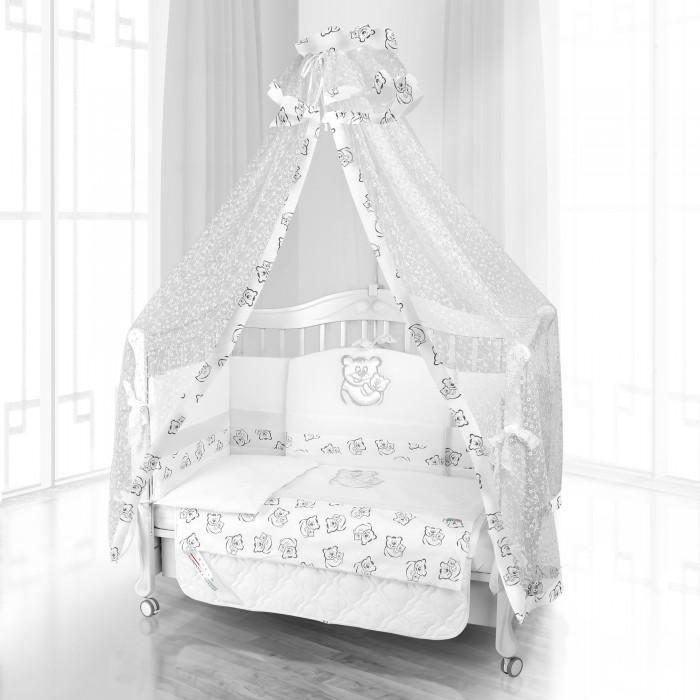 Комплект в кроватку Beatrice Bambini Unico Orso Mamma 125х65 (6 предметов)Unico Orso Mamma 125х65 (6 предметов)Комплект Beatrice Bambini Unico Orso Mamma (125х65) подарит ребенку только крепкий сон и хороший отдых. Он выполнен в очень нежном дизайне с использованием таких приятных мотивов как материнская любовь. На главном изображении мы можем увидеть маму-медведицу, которая нежно прижимает своего малыша. С такой же мягкостью будет по ощущениям и натуральный сатин, который составляет основу этого комплекта детского постельного белья.  Данный комплект идеально подходит для кроваток с габаритными размерами 125х65 см.  Все материалы, которые использовал итальянский производитель, проходили обязательную проверку по следующим параметрам:  соответствие экологическим и санитарным нормам отсутствие каких-либо аллергенов высокое качество и максимальная натуральность  В состав комплекта вошли такие постельные принадлежности как: подушечка правильной ортопедической формы одеяло с инновационным наполнителем, который будет поддерживать оптимальный температурный баланс у крохи наволочка и пододеяльник простынка с резиночками для фиксации съемные бортики, которые уберегут кроху от травматизма<br>
