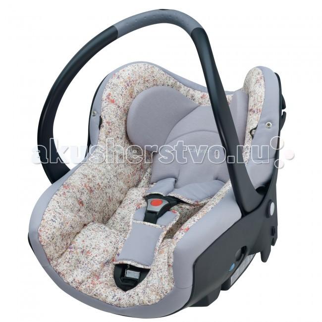 Автокресло Bebe Confort Creatis FixCreatis FixАвтомобильные кресла повышенной комфортности CREATIS Fix устанавливаются спинкой к дороге на заднем или переднем сиденье автомобиля.  Эргономичная форма, аналогичная положению ребенка в утробе матери, и мягкая обивка создают ребенку уютное гнездышко. Ребенка в таком кресле удобно переносить, а кресло можно использовать как стульчик, качалку, а также устанавливать на шасси коляски.  Система боковой защиты Safe Side - это широкие и прочные боковины в верхней части автокресла, которые надежно защищают голову ребенка в случае боковых ударов. По статистике европейского исследовательского центра аксидентологии (науки об авариях) - LAB около 20% происшествий с тяжкими последствиями происходят при боковых столкновениях. Поэтому, хотя в действующих стандартах безопасности система боковой защиты на является обязательной, Bebe Confort разработал и провел испытания системы боковой защиты ребенка Safe Side.   Конструкция автокресла отвечает самым строгим требованиям европейского стандарта безопасности ECE R44/03. Первые места в независимых испытаниях (краш-тестах) подтверждают надежность автокресел Bebe Confort.  Особенности:  Внутренняя отделка, соприкасающаяся с телом ребенка, имеет мягкое и «дышащее» покрытие (легко снимается и стирается). А самые разнообразные расцветки удовлетворят самый взыскательный вкус покупателя.  Двойной корпус с термопрокладкой для безопасности и максимального комфорта малыша поглощает удар при столкновении и защищает от холода.   Самоблокирующийся стопор ремня безопасности для боковой устойчивости и более быстрой установки.  Регулируемые по росту 3-х точечные ремни безопасности с мягкими накладками.   Быстрая регулировка внутреннего ремня (механизм на передней панели автокресла).   Удобная эргономичная ручка для переноски.   Регулируемый солнцезащитный козырек   Встроенный отсек для мелочей   Крепление автокресла: против хода движения автомобиля.  Возможны 2 способа фиксации автокресла в автомобиле:   ре