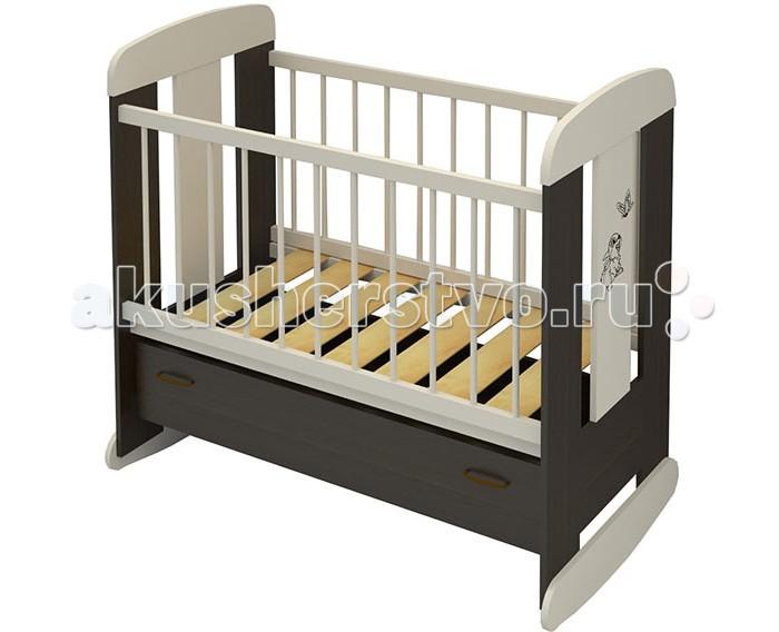 Детская кроватка Бэби Бум Зайка качалкаЗайка качалкаДетская кроватка Бэби Бум Зайка качалка  – это высокий комфорт по доступной цене.   Продукция бренда относится к доступному ценовому сегменту, при этом выделяется качеством и высокой надежностью.  Особенности: Классическая качалка производится из массива сосны, ЛДСП и МДФ Для окрашивания использованы только безопасные лаки и краски Эргономичный дизайн предполагает отсутствие неоправданных острых углов и мелких деталей, которые потенциально опасны для малыша Борта кроватки не только снабжены защитными силиконовыми накладками, но и бесшумно могут регулироваться по высоте Плавные полозья для качания позволят убаюкивать малыша без усилий Бэби Бум Зайка имеет большой выдвижной ящик у основания – это пример эффективного использования выделенного пространства, когда место под ложем не пустует. Надежные металлические направляющие долговечны и удобны Ложе кроватки ортопедическое, выполнено в виде широких ламелей, которые с одной стороны очень прочные, с другой – обеспечивают правильную поддержку спинки ребенка Дизайн кроватки Бэби Бум Зайка выдержано элегантный<br>