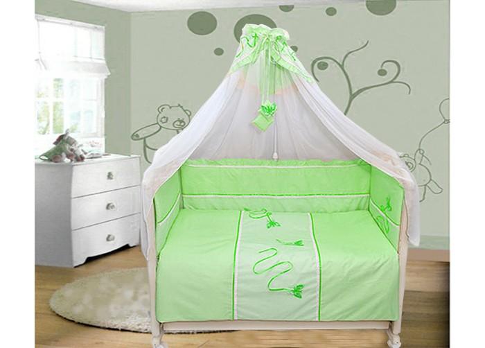Комплект в кроватку Bombus Бабочки (7 предметов)Бабочки (7 предметов)Комплект изготовлен из натурального хлопка (бязи). Натуральный хлопок обладает успокаивающим действием на кожу. Поэтому сон вашего малыша будет невероятно крепким и спокойным.  В качестве наполнителя используется Холлкон, который хорошо пропускает влагу. Он гипоаллергенный, дышащий и создает комфортный микро – климат в кроватке.  Нежный балдахин, изготовленный из мягкой вуали и отделанный вставкой из ткани, создаст уют.  Все самое лучшее - нашим любимым!  Комплект состоит из 7 предметов :  пододеяльник (145см х 110см) одеяло (142см х 105см) бампер (360 х 40 см) подушка (40см х 60см)  наволочкой (40см х 60см)  простыня (100см х 150см) балдахин (4000см х 170см)  Материал: 100% хлопок (бязь) Наполнитель: холлкон гипоаллергенный и всесезонный.<br>