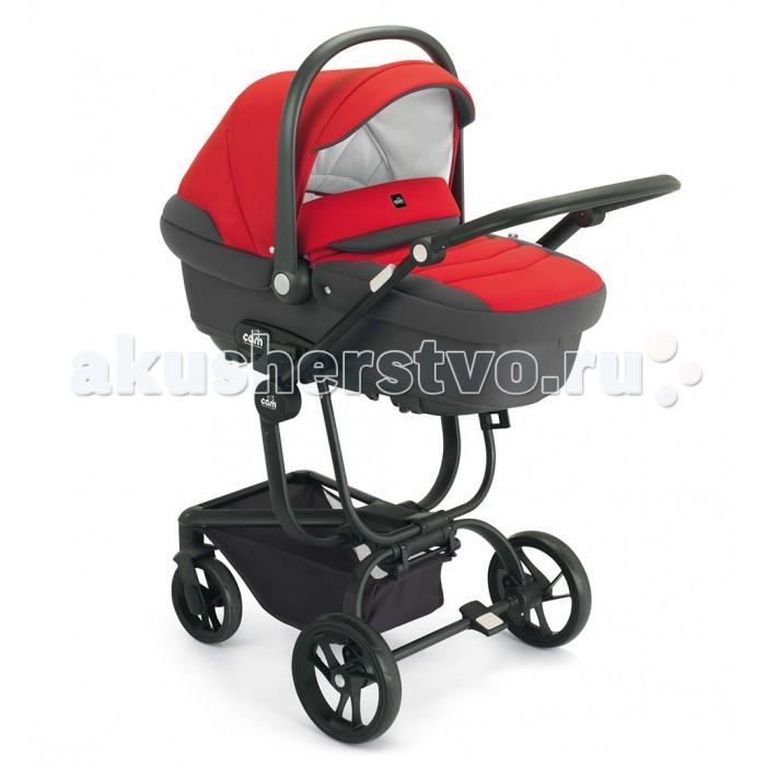 Коляска CAM Taski Tris 3 в 1Taski Tris 3 в 1Коляска CAM Taski Tris 3 в 1 на алюминиевом шасси необычной изысканной формы, включает в себя также люльку для новорожденного, прогулочный блок и автокресло группы 0+. При его создании учтены все потребности ребёнка, начиная с самого рождения и до возраста 3-4 лет. Всепогодная вместительная люлька для младенца подойдёт для прогулок в любое время года и при любой погоде, прогулочный блок с большим капюшоном и демисезонной накидкой на ножки - для ребёнка постарше, а удобное, выполненное по всем европейским стандартам надёжности автокресло вместе с шасси, сложенным компактной книжкой, можно безопасно перемещать в автомобиле вместе с маленьким пассажиром. На месте шасси раскладывается, на него устанавливается автолюлька и, пожалуйста, ещё одно полноценное транспортное средства для ребёнка готово. Также в комплект входит сумка для мамы, а сам набор выполнен в практичных или ярких цветах на выбор, и будет неизменно привлекать взгляды на улице, благодаря своему футуристическому дизайну.  Люлька: используется начиная с рождения до 6-8 месяцев возможность реверсивной установки всепогодная внешняя обивка не промокает и не продувается внутренняя обивка из плотной, но в то же время мягкой и дышащей хлопковой ткани регулируемый снаружи подголовник система контроля вентиляции внутри люльки большой складной капюшон с дополнительным козырьком от солнца удобная ручка для переноски полозья для укачивания как в колыбельке противомоскитная накидка с вентилируемым окошком можно использовать как автолюльку в автомобиле все чехлы снимаются для стирки. Прогулочный блок: рекомендуется к использованию с 6 месяцев возможность реверсивной установки просторное сидение складной капюшон для защиты от солнца положение спинки изменяется до 170 градусов мягкий младенческий съёмный вкладыш накидка на ножки 5-точечные ремни безопасности мягкий съёмный бампер все чехлы снимаются для стирки. Автокресло: соответствует европейским стандартам безопасности устанав