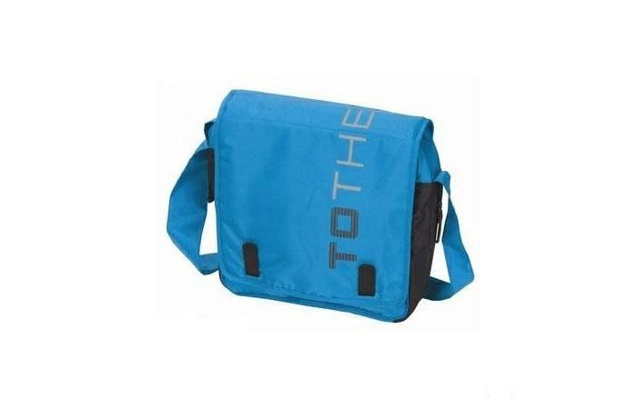 Casualplay Сумка IBagСумка IBagСумка IBag – универсальная, с вместительными карманами для детских вещей и игрушек. В сумку поместятся все необходимые детские вещи, и Вы сможете взять их с собой на прогулку или в поездку.   Предусмотрены отделения для подгузников и бутылочек с питанием, а также пеленальный матрасик. Длинный регулируемый ремень позволит носить сумку на плече или повесить ее на ручку коляски. Материал сумки не теряет цвет на солнце и легко очищается от загрязнений.  В комплекте: матрасик для пеленания   Размеры (д&#215;ш&#215;в): 30&#215;9&#215;30 см<br>
