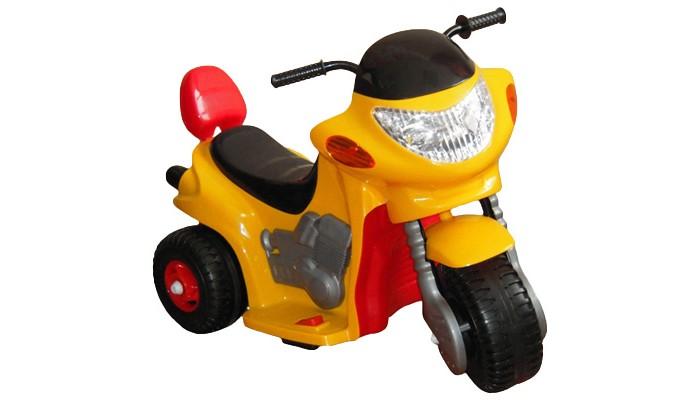 Электромобиль Chien Ti TCV-520 HawkTCV-520 HawkЭлектромобиль Chien Ti TCV-520 Hawk – это красивый, яркий, стильный трехколесный мотоцикл, который своими реалистичными деталями просто поразит вашего малыша и станет его любимой игрушкой. Приобретая этот электромобиль, вы можете не переживать, что ваш ребёнок никогда ранее не сидел за рулём и может не справится с управлением. Здесь всё предельно просто и даже неопытный водитель быстро освоит его управление.  Мини мотоцикл TCV 520 Hawk развивает не слишком большую скорость, а именно - 4 км/час, что, конечно же, успокоит родителей, которые опасаются за безопасность малыша. На этом электромобиле рекомендовано ездить по твёрдой, ровной поверхности, такой как асфальт. Он имеет небольшой вес – всего 7кг, благодаря чему даже мама может его без особого труда перенести через дорогу и спустить по ступенькам. При этом он выдерживает вес до 40 кг, что вполне достаточно, так он предназначен для деток до 5 лет.  Модель предлагается в различных цветовых вариантах, благодаря чему ваш непоседа сам может выбрать тот мотоцикл, который более всего придётся ему по душе. Сидение конструкции специальным образом приподнято, а чтобы малыш не упал назад и мог облокотиться – оно ограничено сзади. Эта модель полностью сертифицирована и соответствует строгим мировым стандартам.<br>