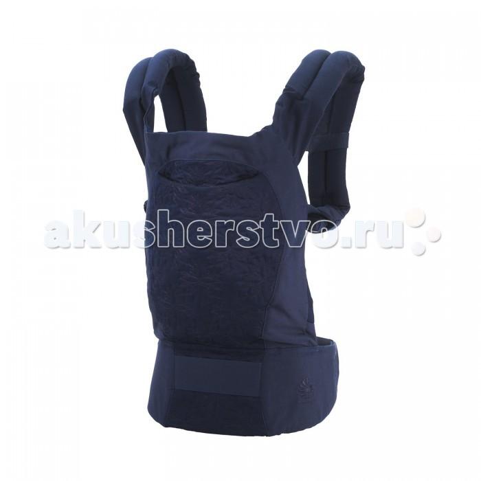 Рюкзак-кенгуру Ergo Baby Carrier Original DesignerCarrier Original DesignerРюкзачок-переноска ERGO Carrier выбран как один из 20 лучших детских товаров за последние 20 лет самым авторитетным изданием для родителей PARENTING MAGAZINE.  Особенности: • Эргономичный дизайн.  • Плотность ткани - 400 нитей на квадратный дюйм.  • По краям рюкзачка в местах соприкосновения с ножками, ручками, шейкой ребёнка сделаны смягчающие валики.  • Плечевые лямки подбиты лёгким уплотнителем толщиной 2,54см.  • Пояс проложен неопреном тощиной 0,6см.  • Фастексы высокого качества, протестированные SGS (международная компания, занимающаяся независимой экспертизой, сертификацией и лабораторными исследованиями).  • Пояс подходит для людей с талией от 63см до 109см.  • Подходит людям с ростом от 152см до 197см.  • Капюшон можно регулировать.  • Во всех местах пересечений ткани прошиваются укрепляющие стежки.  • Внутренние крепления рип-стоп (способ плетения ткани, при котором в полотно с некоторым шагом вплетаются более толстые поперечные и продольные нити).  • Прочность успешно протестирована на 45кг.  • Рекомендуется машинная стирка в холодной воде при умеренной скорости вращения барабана с неагрессивным стиральным порошком без отбеливателя. Сушить при низкой температуре.  Рюкзачок-переноска для ношения малышей, ERGO BABY CARRIER поддерживает спину и позвоночник малыша и гарантирует физиологически правильное ношение. В отличие от большинства рюкзачков-кенгуру, в переноске ERGO малыш сидит с широко разведенными ножками, а не висит с давлением на промежность.  Переноска имеет широкие, мягкие плечевые ремни и поддерживающий широкий ремень вокруг корпуса взрослого. Благодаря этому нагрузка распределяется более равномерно, поэтому носить ребенка в ERGO удивительно легко.  Родители могут выбрать наиболее удобный способ ношения: спереди, сзади и на бедре. Для новорожденного малыша стоит приобрести специальную дополнительную вставку ( от 0 до 5 месяцев). Пользуясь вставкой, можно носить ребенка в 