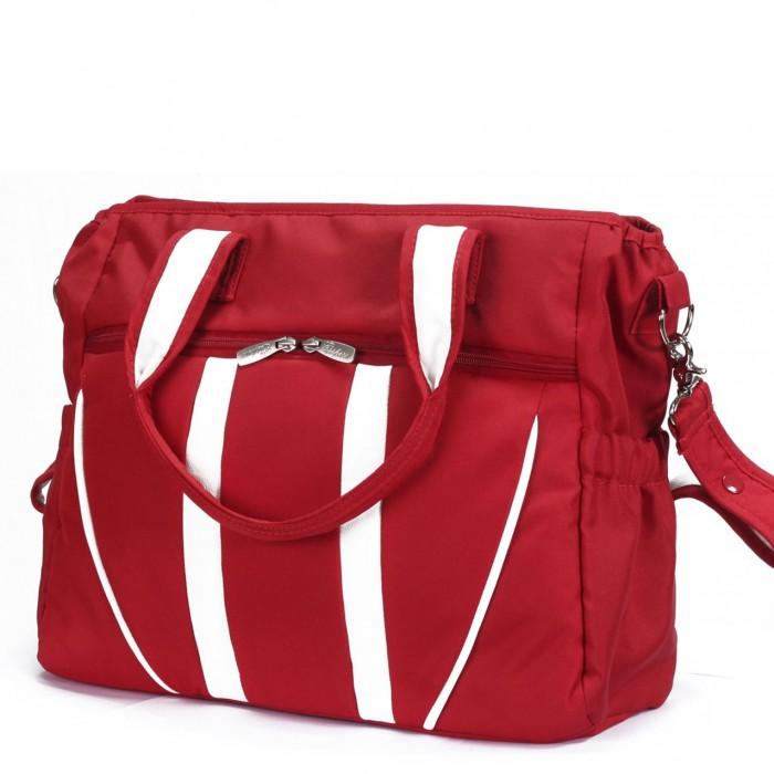 Esspero Сумка для коляски StyleСумка для коляски StyleСумка Esspero Style стильная и многофункциональная. Белые кожаные вставки добавляют этой сумке элегантности. Вместительная, удобная и красивая - эта сумка одна из лучших!   Внутри располагается несколько отделов и множество кармашков, поэтому в эту сумку Вы сможете сложить всё необходимое, и потом быстро доставать, что нужно по мере необходимости, потому что эргономичное расположение отделов не даст детским принадлежностям и Вашим вещам затеряться.  Плечевой ремень пристегивается на хромированных карабинах и, если он Вам не нужен, просто отстегните его и возьмите сумку за две удобные ручки. Ручки сделаны так, что Вы можете носить сумку не только в руках, но и повесить ее на локоть. Это удобно в магазине, когда Вы без коляски, или в другом любом случае, когда Ваши руки заняты.  Производитель предлагает только самые востребованные и универсальные цвета на выбор. Сумка подходит к любой коляске, а при помощи крепких кнопок на плечевом ремне, пристегнуть ее можно как к цельной ручке, так и к раздвоенной.   Преимущества сумки Esspero Style Вы сможете оценить по-настоящему, когда она окажется в Вашем распоряжении. С этой сумкой прогулки и путешествия будут комфортнее, потому что все будет под рукой!  Характеристики: подходит для любого типа коляски плечевой ремень съемный на хромированных карабинах эргономичное внутреннее пространство сумки элегантные вставки из эко-кожи удобные ручки для переноски в комплекте идет двусторонний пеленальный матрасик размеры 50 х 15 х 33 см<br>