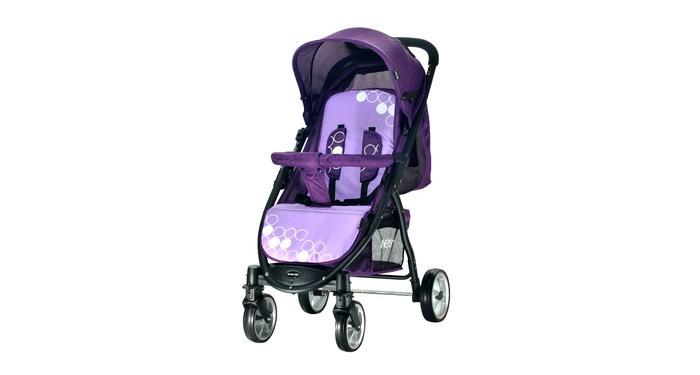 Прогулочная коляска Everflo FriendFriendПрогулочная коляска Everflo Friend - практичная, комфортная, функциональная коляска, которая станет настоящим другом вашему малышу при  этом отвечая основным запросам родителей. Она сделает передвижение малыша комфортным и безопасным.  Особенности: в разложенном виде коляска превращается в люльку, спальное место которой, по размерам превосходит большинство колясок для новорожденных,  стильный дизайн и приятная расцветка          тканевые элементы выполнены из прочного и износостойкого материала oxford  надёжная стальная  рама                     плавающие передние колеса поворачиваются на 360 градусов и обеспечены фиксаторами, что даёт возможность использовать коляску на разных дорожных покрытиях (тротуары, песок, галька, снег). классический тормоз задних колёс прост и надёжен            накидка на ножки создаст комфорт и безопасность для ребёнка                                         глубокий капюшон до бампера с карманом и смотровым окошком защитит малыша от солнечных лучей, ветра и непогоды и даст возможность родителям наблюдать за ребёнком                                       сьёмный бампер с мягким разделителем между ножек корзина для покупок угол наклона спинки регулируется в трёх положениях,  включая  горизонтальное, что делает возможным использование коляски с первых дней жизни ребёнка  регулируемая подножка простой механизм складывания книжка обеспечит компактное хранение и транспортировку коляски,                                        пятиточечные ремни безопасности оснащены  мягкими накладками, для комфорта и безопасности вашего малыша Глубина сиденья - 23 см Ширина сиденья - 35 см Длина спального места -85 см Комплектация: накидка на ножки, корзина для покупок<br>