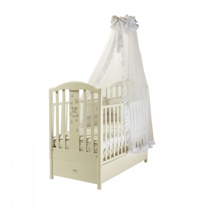 Детская кроватка Feretti FMS Romance продольный маятникFMS Romance продольный маятникДетская кроватка Feretti FMS Romance продольный маятник - элегантная и простая кроватка-маятник с аппликацией зайчика на спинке.   Она подойдет к любому интерьеру и всюду будет смотреться уместно. Кроватка сделана из бука - материала, лучше которого для детской мебели не найти. Дно кроватки регулируется в двух положениях. Обе стенки кровати могут регулироваться.  Особенности: Маятниковый механизм продольного качания Массив бука Передняя стенка снимается Два уровня ложа по высоте Защитные силиконовые накладки Отсутствуют острые углы Древесина обработана экологически чистым лаком Аппликация Размер ложа 125х65 см  Уникальный механизм маятникового качания FMS (скрытый внутрь короба, вследствие чего ящик для белья не предусмотрен и боковина не опускается)<br>