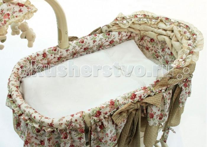 Комплект в колыбель Fiorellino Premium Baby для электронной колыбелиPremium Baby для электронной колыбелиКоллекция Fiorellino Premium Baby – красивый стильный текстиль для детской комнаты, который с первых дней жизни позволит малышу почувствовать свою важность и исключительность.   Классические белый или бежевый цвета, лаконичный дизайн, натуральные мягкие ткани окружат малыша трогательным теплом. Комплекты и аксессуары декорированы тончайшим кружевом с изысканным узором – торжественно и элегантно.   Основные характеристики: комплект постельного белья для электронной колыбели ткань: 100% хлопок наполнитель: 100% полиэстер комплект декорирован изысканным кружевом с вышивкой и объёмным бантиком  В комплект входят: простынь 90х65 см на резинках подушка 30х20 см со съёмной наволочкой одеяло 75х55 см со съёмным чехлом на молнии<br>