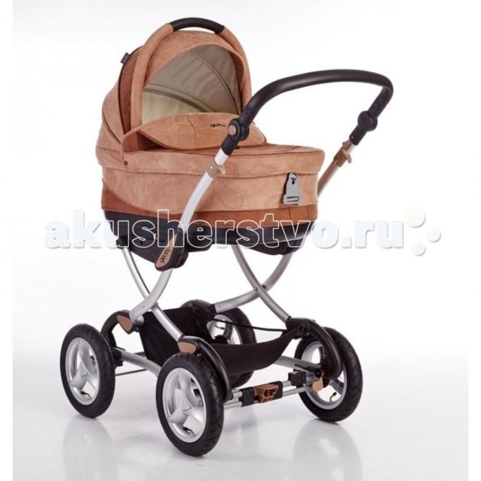 Коляска Geoby C706 LuxC706 LuxКоляска Geoby C706 Lux - это универсальная коляска для прогулок с малышом в любое время года, которая укомплектована просторной люлькой-переноской с удобными ручками и прогулочным блоком.  Большие надувные колеса, полуповорот передних колес и их фиксация, отличная амортизация обеспечивают высокую маневренность и комфорт при использовании коляски. А красивый дизайн и продуманные детали придутся по вкусу даже самым требовательным родителям. Во внешней и внутренней отделки коляски использована искусственная замша и высококачественная ткань.   Особенности прогулочного блока: 4 положения наклона спинки, вплоть до горизонтального Защитное ограждение для дополнительной безопасности Мягкий матрасик, который возможно снимать для стирки Вентиляционное окно на тенте Регулируемая в 2-х положениях по высоте подножка Установка в любом направлении движения  Особенности люльки: Закрытая непродуваемая люлька Легко устанавливается на шасси Люлька может использоваться как колыбель Люлька имеет удобные ручки для переноски, которые прячутся в специальные закрывающиеся на молнии кармашки, расположенные с внешней стороны Регулируемый наклон спинки Система вентиляции люльки и вентиляционное окошко в капюшоне Люлька снабжена специальной системой безопасности для крепления ее вместе с малышом в машине на заднее сидение Люлька устойчиво может стоять на 4-х дугах, которые размещены снизу Люлька снабжена специальной системой фиксации на заднем сидении автомобиля<br>