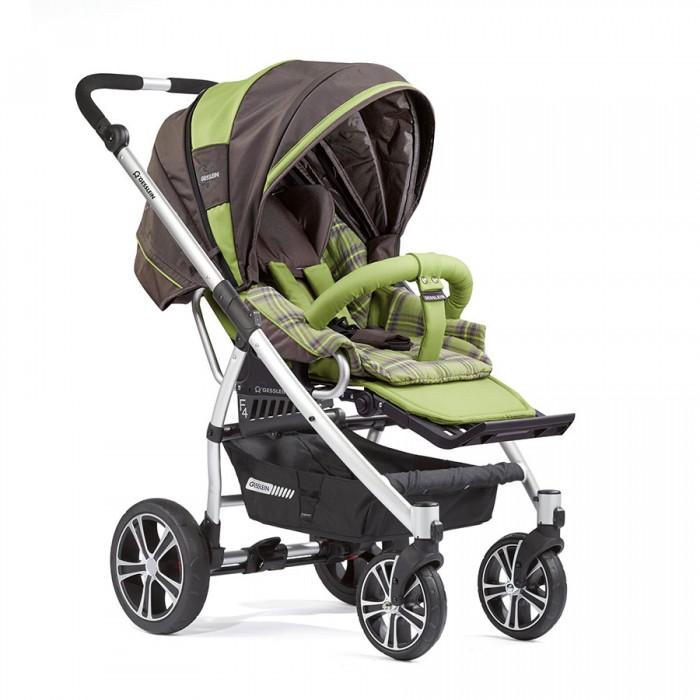 Прогулочная коляска Gesslein F4 Air + накидка на ножкиF4 Air + накидка на ножкиПрогулочная коляска Gesslein F4 Air + накидка на ножки обладает удобной износостойкой легкой анодированной алюминиевой рамой весом всего 11.9 кг. Коляска позволит ребенку комфортно чувствовать себя, наблюдая за окружающим миром или во время сна – спинка сиденья раскладывается до положения лежа, а сама коляска максимально просторная внутри. Родители оценят по-достоинству легкую алюминиевую раму и возможность в одно нажатие снять сидение и развернуть его на 180 градусов.   В сочетании с люлькой от Gesslein C3 (не входит в комплект) Вы можете использовать эту коляску с самого рождения малыша, что увеличивает период использования коляски. Коляска также идеально подходит для путешествий, идеально сочетаясь с детскими автокреслами Maxi Cosi (Cabriofix/Pebble) или с автокреслами Romer (Baby Safe Plus SHR).  Обращаем Ваше внимание, что автокресла и адаптеры под автокресла или люльку C3 не входят в комплект поставки.  Прогулочный блок: прогулочный блок можно использовать в двух положениях: лицом к маме и наоборот  просторный капюшон имеет большую высоту и глубину конструкция капюшона эффективно защищает внутренний блок с малышом от ветра и холода трехслойный материал капюшона имеет термоизолирующую прокладку для сохранения  встроенные в капюшон: легкосъемный козырек от солнца, смотровое окошко для контроля за ребенком, закрываемая клапаном и тканевой сеточкой вентиляционная отдушина наличие на капюшоне двух карманов для мелочей капюшон имеет съемную тыльную часть для дополнительной вентиляции в особо жаркие дни со встроенной противомоскитной сеткой прогулочный блок оснащается пятиточечными ремнями безопасности с мягкими плечевыми накладками, а также дополнительным, крепящимся на игровую дугу предохранителем от сползания малыша съемная игровая дуга («бампер») имеет регулировку углов наклона, закрыта мягким легкосъемным тканевым чехлом подножка имеет несколько регулировок угла наклона, а также регул