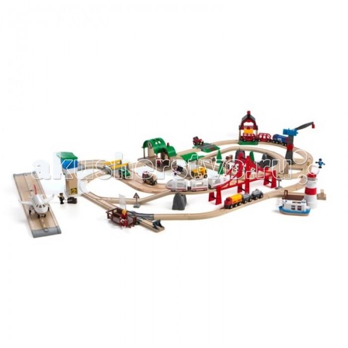 Brio Игровой набор супер-делюкс Город с аэропортом, портом, фермой и автостанциейИгровой набор супер-делюкс Город с аэропортом, портом, фермой и автостанциейИгровой набор супер-делюкс Город с аэропортом, портом, фермой и автостанцией.  В набор входит двухуровневое железнодорожное полотно с мостом, заправка для машин, 2 станции для пассажиров, самолет на колесиках, порт с маяком, баржа, подъемный кран, ферма, 3 поезда — поезд для пассажиров, состоящий из трех вагонов, поезд для животных, состоящий из трех вагонов и товарный поезд, также состоящий из трех вагонов, 4 машинки, 5 человечков, карта для пассажиров, 3 дорожных знака, 3 деревянных дерева, 2 деревянные фигурки коров, 1 чемодан, 1 спасательный круг, 4 элемента для создания загона для животных, грузы для поездов в количестве 4 штук, 57 элементов для создания железнодорожного полотна, включая переезды и горы.   Размер площадки 117 х 148 см.  Набор изготовлен из качественного пластика и экологически чистой древесины.  Поезда нужно катать вручную.  В набор входит 6 батареек.  Упаковка - 2 практичных пластиковых ящика с крышкой.<br>