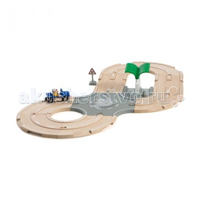 Brio Игровой набор с автодорогой, перекрестком, заправкой, 13 элементовИгровой набор с автодорогой, перекрестком, заправкой, 13 элементовИгровой набор с автодорогой, перекрестком, заправкой, 13 элементов.  В набор входят: фигурка человечка, дорожное полотно, заправочная станция, автомобиль, дорожный знак.  Материал - дерево, пластик.   Предназначен для детей от 3 лет.  Упакован в подарочную коробку.<br>