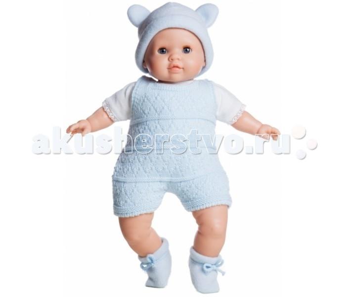 Paola Reina Кукла Джулиус 36 смКукла Джулиус 36 смPaola Reina Кукла Джулиус 36 см   Эта кукла поможет девочкам ненадолго стать мамой маленькой дочки, которая выглядит так реалистично и правдоподобно. О ней так хочется заботиться и следить за ее здоровьем, поэтому малышки научатся проявлять внимание не только к игрушке, но и на ее примере за другими родными и близкими, что очень важно, когда в семье есть другие младшие дети.  Особенности: Эта уникальная кукла в виде младенца женского пола выполнена настолько реалистично, что детям захочется сначала ее как следует рассмотреть. У малышки выразительные черты лица, особенно невозможно оторвать взгляд от правдоподобных складочек в области глаз и пухлых губок. Наряд игрушки и аксессуары можно при необходимости постирать, и они останутся такими же яркими и привлекательными. Тело куклы выполнено из приятного на ощупь высококачественного винила, который имеет лёгкий аромат ванили. Материалы, из которых изготовлена игрушка, прошли все необходимые сертификации и проверки на безопасность для детей.<br>