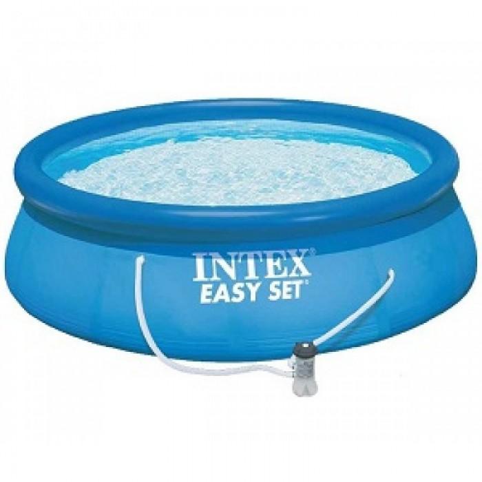 Бассейн Intex Easy Set 457х84 см с фильтромEasy Set 457х84 см с фильтромНадувной бассейн Intex Easy Set обладает двумя важными качествами: простотой конструкции и лёгким весом.   В верхней части предусмотрено надувное кольцо, которое по мере наполнения бассейна водой, поднимает и расправляет стенки, обеспечивая необходимую устойчивость. Всего 10 минут потребуется на установку конструкции.   Технология Super-Touch (сочетание винила и полиэстра), используемая в производстве, наделяет материал тройной прочностью, стойкостью к ударам, воздействию солнечного света, растягиваниям и стираниям.   Надувные бассейны, за счет отсутствия металлического каркаса, удобны в хранении и в сложенном виде не займут много места. Модель оснащена клапаном для удобства слива воды и разъемами для подключения фильтрующих и хлорирующих устройств.  Бассейн с фильтрующим насосом для очистки воды 220V. Фильтрующий насос обеспечивает очистку воды и редкую ее замену (1 раз в месяц). Также в комплекте лестница, тент для бассейна, подстилка под бассейн, набор для чистки.  В комплекте также идет ремкомплект. С его помощью вы сможете устранить самостоятельно какие-либо механические повреждения на изделии, приобретенные в ходе его использования.  Размер: 457х84 см.  Вместимость бассейна: 9792 л.  Производительность насоса: 2006 л/ч.  Вес: 21 кг.<br>