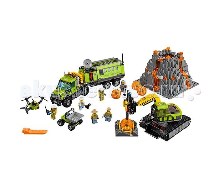 Конструктор Lego Город База исследователей вулкановГород База исследователей вулкановLego City Город База исследователей вулкановв собирается из 824 деталей и включает 6 минифигурок.  Построй собственную исследовательскую базу у подножия извергающегося вулкана! Грузовик, оснащенный всем необходимым техническим оборудованием, поможет доставить команду по бездорожью к цели. Цель экспедиции - найти как можно больше вулканических камней. Разбив их с помощью специального оборудования, ученые найдут таинственные кристаллы - вот в чем цель миссии, собрать кристаллы и доставить их в лабораторию, чтобы исследовать их! Экскаватор и самосвал помогут транспортировать валуны и разбить их, ведь это не так-то просто. Запусти в воздух дрон, чтобы заснять и исследовать вулкан с высоты птичьего полета!  В наборе: 6 минифигурок исследователей Грузовик с вращающимися колесами 4 вулканических шара в виде прозрачных шаров с кристаллами внутри Экскаватор Самосвал Дрон Аксессуары (металлоискатель, отбойный молоток, пульт управления дроном и др.)<br>