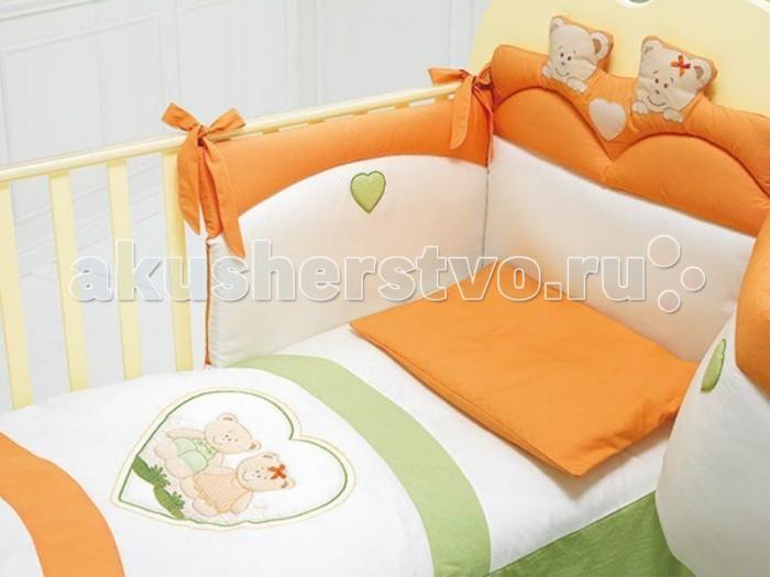 Комплект в кроватку Baby Expert Cuore (4 предмета)Cuore (4 предмета)Нежные цвета комплекта Сuore будут радовать глаза вашего малыша. Безукоризненное сочетание стиля и нежности создают комфорт Вашему малышу и обеспечат ему спокойный и здоровый сон.  Особенности: - отличается изысканным дизайном; - украшено аппликацией мишек и сердечек в стиле коллекции Cuore; - белье не раздражает нежное тельце ребенка, и не доставляет ему неудобств; - мягкий бортик на завязочках - лентах; - качество материала обеспечивает лёгкость стирки и долговечность; - можно стирать в стиральной машине (щадящий режим).  Материалы: - комплект постельного белья выполнен из шамбре(тонкая и плотная хлопчатобумажная ткань), рубчатого пике и слегка примятой ткани в мелкий квадратик; - медвежата и сердечки из искусственной замши Алькантара с тонко выполненной вышивкой; - наполнитель одеяла - синтепон; - белье гипоаллергенно и нетоксично.  В комплекте: - одеяло (100х130 см); - пододеяльник (100х130 см); - бампер для кроватки; - наволочка (58х38)<br>