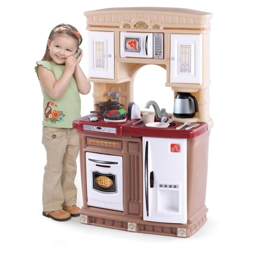 Step 2 Свежесть кухняСвежесть кухняМиниатюрная Свежесть кухня идеально подойдет для любого пространства!  - стильная кухня с окном для большего воображения во время игры;  - микроволновая печь, плита и кофейник;  - в наборе: 30 аксессуаров  - требуется 4 батареи питания АА и 2 ААА (не входят в комплект поставки);  - аксессуары и телефон сделаны в Китае;  - при сборке следуйте прилагаемой инструкции;  - товар сертифицирован.    Размер оборудования:  Высота: 104 см  Длина: 66 см  Ширина: 34 см  Вес: 9.5 кг   Объем: 0.18 м3  Размеры коробки:  Высота: 61.6 см  Длина: 52.7 см  Ширина: 54.9 см   Возраст: от 2-х лет<br>