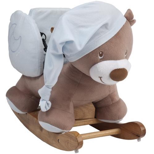 Качалка Nattou Любимый мишкаЛюбимый мишкаКачалка Nattou Любимый мишка покатает вашего малыша и подарит ему море положительных впечатлений. Нежная цветовая гамма в голубых и бежевых тонах, а также приятная на ощупь мягкая ткань, вызовет у малыша самые теплые чувства. На голове у медвежонка забавная шапочка для сна.  Особенности: У медвежонка устойчивый и прочный деревянный каркас Удобное сиденье со спинкой и трехточечные ремни безопасности позволяют сажать на качалку детей с 6-ти месячного возраста Держаться малыш может за деревянные ручки на голове медвежонка.<br>