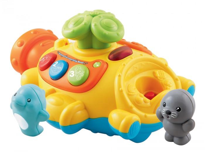 Vtech Игрушка для купания Подводная лодка 80-113626Игрушка для купания Подводная лодка 80-113626Развивающая игрушка для купания Vtech Подводная лодка прекрасно подойдет для игр в ванной!  Водонепроницаемый корпус позволяет играть с ним в воде, сколько угодно, а автоматический фонтан развеселит любого малыша.  Игрушка научит ребёнка считать, различать цвета, названия и звуки морских животных, а режим вопросов поможет закрепить полученные знания.  Игрушка имеет две фигурки морских животных (в комплекте), съёмную спасательную лодку, перископ, который пускает фонтан.<br>