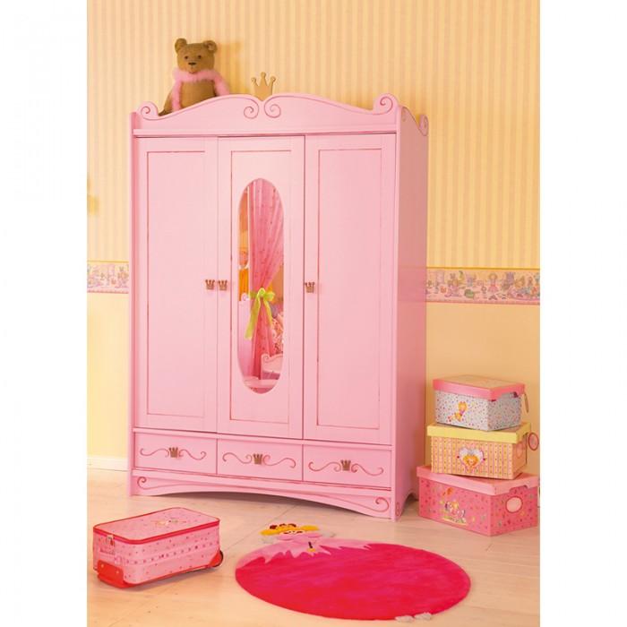 Шкаф Spiegelburg Prinzessin трехстворчатыйPrinzessin трехстворчатыйШкаф Spiegelburg Prinzessin трехстворчатый   Трёхдверный шкаф - отличное решение для обустройства детской комнаты ребёнка и прекрасно впишется в интерьер спальни.  Самое большое отделение шкафа отведено для верхней одежды, над ним – место для головных уборов, а несколько вместительных полок помогут легко разместить белье и спальные принадлежности. Зеркало в центральной части шкафа позволит юной леди мерить наряды и любоваться собой.  Особенности: крепкая надежная конструкция оригинальный дизайн - нежная расцветка и изящные узоры не имеет острых углов зеркало в центральной части шкафа оснащен вместительными вставными полками, 3-мя выкатными ящиками с доводчиками и одной вешалкой удобные эргономичные ручки в виде короны. Размер: 200 х 52 х 133 см<br>