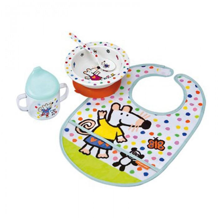 Petit Jour Набор детской посуды Mimi с нагрудникомНабор детской посуды Mimi с нагрудникомPetit Jour Набор детской посуды Mimi с нагрудником в подарочной упаковке. Ваш малыш будет кушать с удовольствием!   Особенности: набор изготовлен из гипоаллергенного материала 0% фталатов и BPA (бифенол А) на дне тарелки есть веселый рисунок, для того, чтобы ее разглядеть, нужно опустошить тарелку тарелка с нескользящим дном и широкими краями, что обеспечивает ее устойчивость и непроливание пищи глубокая ложечка удобная ручка у ложки идеальна для самостоятельного питания поильник-непроливайка с двумя ручками тарелку и приборы можно мыть в посудомоечной машине  не подходит для использования в микроволновой печи и для горячих напитков  В комплекте: тарелка, глубокая тарелка, ложка, поильник, нагрудник Размер: ложка 14 см, поильник 11X10 см, тарелка 16 см<br>