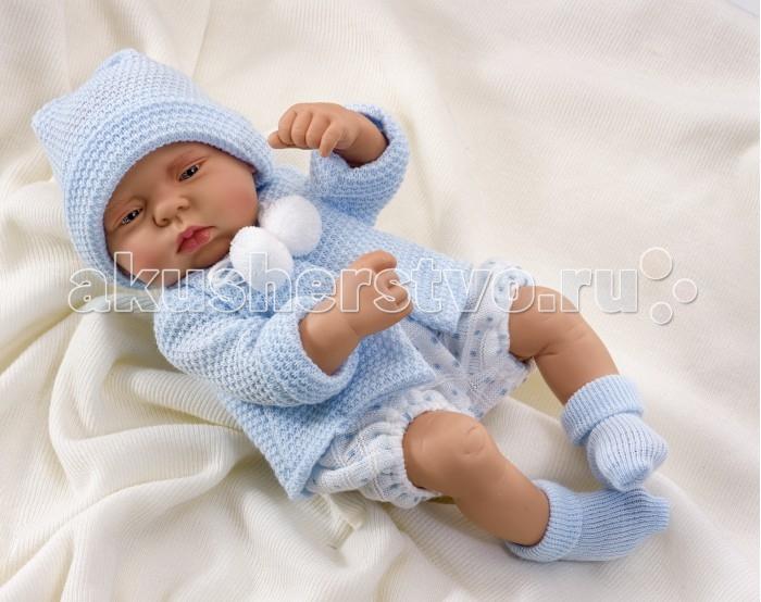 ASI Кукла Лулу 40 см 2320042Кукла Лулу 40 см 2320042ASI Кукла Лулу 40 см 2320042 - максимально приближенная копия настоящего младенца, не оставит равнодушными Вас, и Вашего ребенка!  Реборн Лулу выглядит очень натуралистично: у него очаровательные пухлые щечки и губки, маленький носик, полуприкрытые глазки, - хочется скорей взять его на ручки и покачать!   Пупс Лулу полностью выполнен из качественного винила.Имеет половые различия.Малыш Лулу одет в утепленный голубой костюмчик и шапочку.  Особенности:  кукла ASI сделана очень качественно.  Без запаха.   Используется безопасный твердый винил.  Видна прорисовка мельчайших подробностей тела, рук и ног.<br>