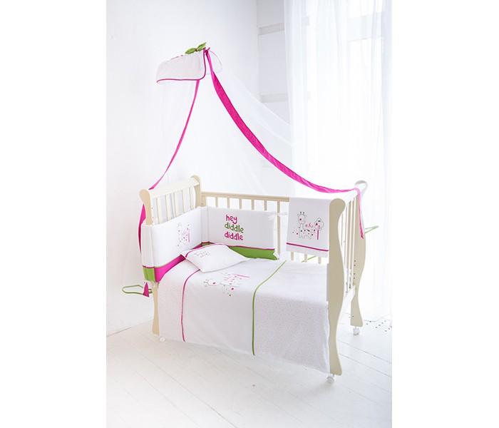 Комплект в кроватку Baby Star Giraffe (7 предметов)Giraffe (7 предметов)Комплект для кроватки Baby Star Giraffe произведен из 100% хлопка. Яркие расцветки, использование греческих и испанских тканей, необычная вышивка прекрасно подойдут в кроватку размером 120х60 см и 140х70 см за счет простыней двух размеров и универсальному бамперу.  В комплекте: Простыня 140х70 см на резинке Простыня с вышивкой 150х110 см Наволочка с вышивкой Одеяло 150х100 см Пододеяльник 150х100 см Бампер 210х40 см Сетчатый балдахин 520х180 см<br>