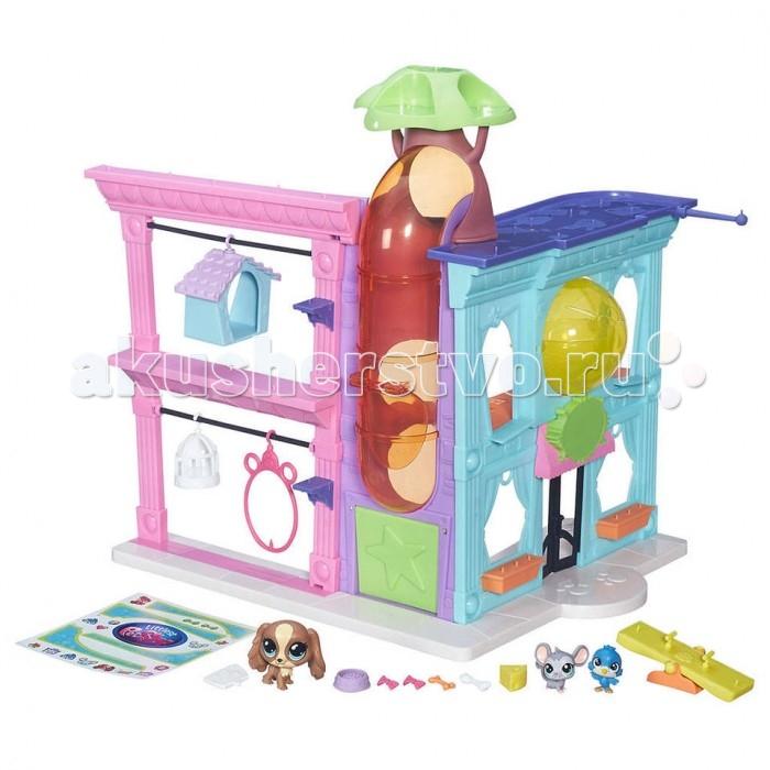 Littlest Pet Shop Игровой набор ЗоомагазинИгровой набор ЗоомагазинИгровой набор Зоомагазин серии Little Pet Shop позволит маленькой любительнице животных ощутить себя владелицей собственного зоомагазина!   В комплект входят многочисленные детали для сборки этой удивительной конструкции.  Три фигурки животных, среди которых щенок, мышка и птичка, имеют возможность расположиться в самых разных уголках своего красочного домика!  Фигурки исполнены в ярких красках, тщательно детализированы, а в некоторых местах украшены сверкающими блестками. Литл Пет Шоп включает различные аттракционы, которые способны развлечь каждого из этих замечательных питомцев!  В наборе имеется множество аксессуаров и стикеров, благодаря которым игра станет еще интересней! Игрушки выполнены из пластика высокого качества, который не токсичен абсолютно безопасен.  Размер собранного зоомагазина: 17 x 12.9 x 2.9 см.<br>