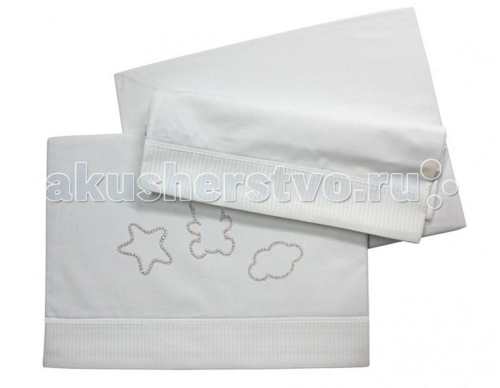Комплект в кроватку Micuna Juliette (3 предмета)Juliette (3 предмета)Коллекция текстиля для детской комнаты от испанской компании Micuna создана из натурального хлопка самой тонкой выделки. Нежная, гипоаллергенная ткань благоприятна для кожи малышей. Она легко стирается и быстро сохнет. Наполнитель мягких бортиков – холлофайбер – состоит из пустотелых полиэстеровых волокон, скрученных в форме пружин. Обеспечивает лучшую, чем синтепон, теплоизоляцию и меньше слёживается. Текстиль Micuna – гарантия настоящего качества.   В комплект входят:  - наволочка 58х30 см;  - простынь на резинке 120х60 см;  - простынь-покрывало 170х110 см.   Состав ткани: 50% хлопок, 50% полиэстер.<br>