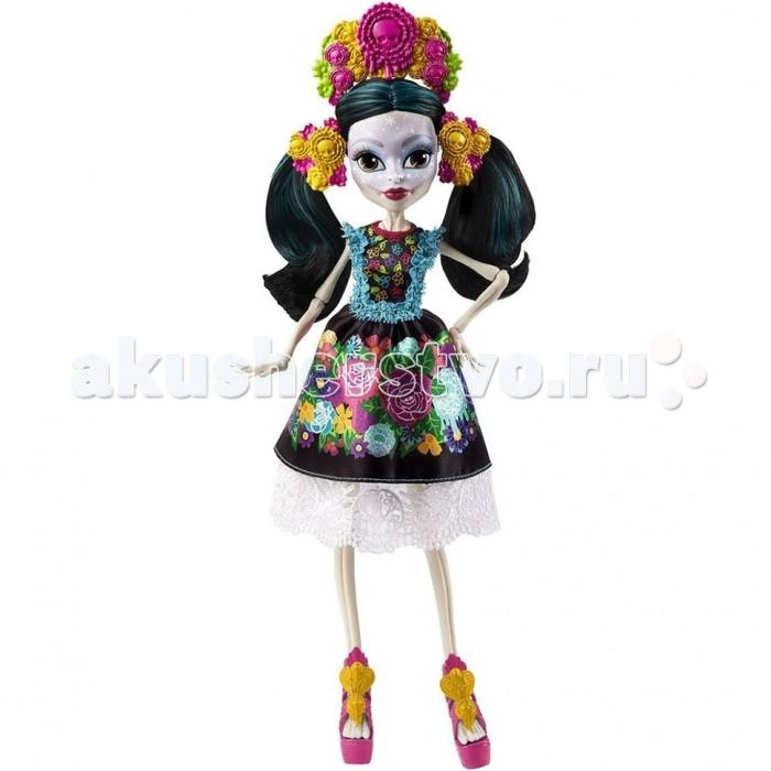 Монстер Хай (Monster High) Кукла Скелита КалаверасКукла Скелита КалаверасИнтересная кукла Скелита Калаверас из серии Монстр Хай  от известного бренда Mattel станет для девочки отличным способом развлечься, а также хорошей верной подружкой, с которой она никогда не расстанется.  На лице известной героине имеются интересные узоры. Как сама утверждает Скелита, она сама создает их на своем лице. Особое внимание она уделят своим губам и глазам. Также она имеет длинные черные волосы. Сделана она из качественного пластика, поэтому сможет прослужить своей владелице достаточно долгий срок. Имеет приятную расцветку, а также весьма интересный и необычный дизайн.  Сама героиня родилась в семье скелетов в далекой Мексике. Она всегда старается поддерживать связь с ними, так как очень гордится ими. В своих нарядах она старается сочетать черты современности и ее мексиканского прошлого. Все знают, да и сама Скелита не отрицает, что она помешана на вечеринках и любит шумные и веселые тусовки. Она довольно часто чувствует, что скоро произойдет нечто грандиозное, но не может точно сказать когда.<br>