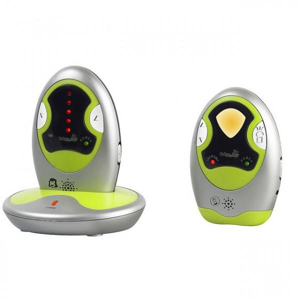 Babymoov Радионяня Expert CareРадионяня Expert CareРадионяня Babymoov Expert Care станет вашим незаменимым помощником, поможет быть рядом с вашим малышом на расстоянии. С этой радионяней вы услышите любые звуки в комнате, в которой спит ребенок!  Особенности: Диапазон: 1000 метров на открытом пространстве С функцией VOX (голосовая активация) 16 каналов Звуковые, световые и вибро-сигналы С функцией ночника Звуковой сигнал оповещает о низком заряде батарейки и потери связи  Мощность: 5-10 мВт Частота: 865 МГц Работает от подзаряжаемой литиевой батареи (в трансмиттере для родителей) и 3 батареек «ААА» (в трансмиттере для ребенка) и от сети (адаптер в комплекте)<br>