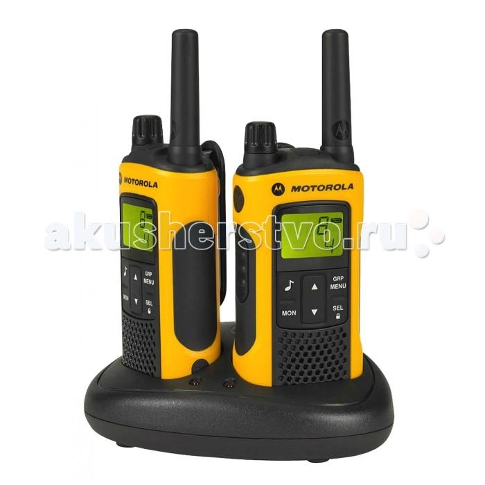 Рация Motorola TLKR T80 ExtrimeTLKR T80 ExtrimeMotorola Рация TLKR T80 Extrime недаром носит такое название, эта станция может использоваться в самых экстремальных условиях, благодаря влагозащищенному корпусу, выполненному из современных материалов высокой прочности, большому набору полезных функций, дальнодействию в 10 км и возможности подсоединения всевозможных аксессуаров.  С Motorola TLKR T80 Extrime пользователь всегда будет на связи и путешествуя по лесным тропам, и рыбача на высокогорном озере. Именно эту рацию выбирают спортсмены-экстремалы и охранники-профессионалы.  Особенности: стильный дизайн; подсвечиваемый ЖК-экран; количество каналов: 8 и 21 код; указатель уровня заряда батареи; блокировка кнопок; разъемы: 9 В и гарнитурный; сканирование; мониторинг; встроенный фонарь; групповые вызовы; VOX; автошумоподавление; часы и секундомер; вибросигнализация; автоотключение; устойчивость к вредному влиянию факторов окружающей среды.  Комплектация: рация Motorola TLKR T80 EXTREME — 2 шт.; крепеж на пояс — 2 шт.; Ni-MH аккумуляторные батареи - 2шт.; двойной зарядный блок; гарнитура — 2 шт.; адаптер; инструкция<br>