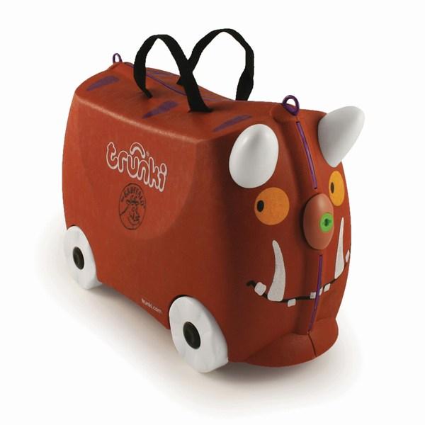 Trunki Чемодан на колесах Груффало GruffaloЧемодан на колесах Груффало GruffaloКрасочный и яркий чемодан для детских вещей.  Имеет очень прочную конструкцию, что позволяет использовать его, не только как обычный чемодан, но и как каталку. Имеет седлообразное основание для удобства вашего малыша. Теперь поездка и ожидание не будет таким утомительным.   Особенности чемоданов Trunki: предназначен для перевозки и хранения вещей и игрушек Вашего ребенка может быть использован как каталка для ребенка имеет прочный ремешок, что позволит катать родителям ребенка за собой выполнен в виде красочных и ярких персонажей, что очень понравится Вашему малышу  Станет прекрасным подарком!   Имеет 2 ручки для переноски. В комплекте 1 лист с наклейками.  Размеры чемодана 46 х 20,5 х 31 см. Размеры позволяют брать чемодан в самолет как ручную кладь.  Вес 1,7 кг   Внутренний объем 18 литров<br>