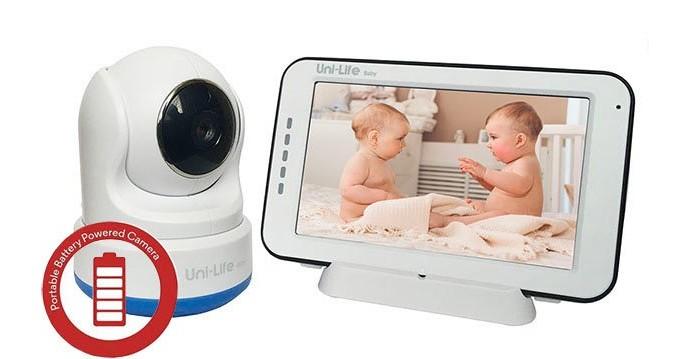 Uni-Life Видеоняня DigiSmart 1050Видеоняня DigiSmart 1050Uni-Life Видеоняня DigiSmart 1050 максимально функциональная с большим экраном и возможностью записи. Теперь вы можете прикрепить камеру куда угодно без внешних батарей и конструкций. Производитель все предусмотрел заранее, встроил мощные литий-полимерные аккумуляторы и в детский и в родительский блоки, на камере сделал зажим для установки в любое необходимое вам место. Модель полностью самодостаточна и не требует дополнительных вложений.   Особенности: Цифровой сигнал. Все новые модели изготавливают исключительно с цифровой кодировкой сигнала, поскольку только он обеспечивает полную защиту от помех посторонних передающих устройств (в основном WiFi устройства), и перехвата изображения и звука сторонними приемниками. Кроме того качество и разрешение изображения значительно превосходят такие же параметры у аналоговых моделей. Большой и яркий дисплей диагональю 11 см (4,3). Все чаще в новых моделях от разных производителей встречаются экраны таких размеров, но стоимость при этом достаточно высока. В случае с UniLife это не так. Реально четкий и большой экран в видеоняне за очень адекватные деньги. Автономное питание в детском и родительском блоках. Аккумуляторы (литий-полимерные) уже встроены внутрь корпуса в обоих блоках. Время автономной работы и у камеры и у монитора до 5 часов. Так же без проблем можно использовать для подключения и работы идущие в комплекте сетевые адаптеры, автоматически при подключении этих адаптеров происходит зарядка аккумуляторов. Крепление детского блока в любое удобное вам место !  Очень не многие производители учитывают необходимость и удобство использования, иногда, камеры вне условий стационарной установки, например, на коляску или кроватку. В новой модели UniLife такое требование учтено, камера имеет удобный зажим в основании, с помощью которого легкую камеру можно прицепить куда угодно, а поскольку при этом в камере уже встроена аккумуляторная батарея использовать весь комплект н