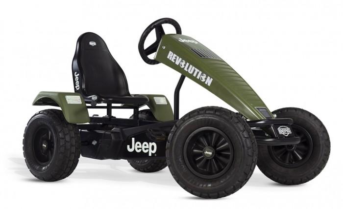 Berg Веломобиль Jeep Revolution BFRВеломобиль Jeep Revolution BFRBerg Веломобиль Jeep Revolution BFR позволит свободно катиться вперед, вращая педали, использовать так называемый холостой ход, а также после остановки легко ехать задним ходом. Переключать какие бы то ни было рычаги и передачи при этом совершенно не требуется - все происходит автоматически, как будто само собой. А вот грамотно управлять машинкой, конечно, надо научиться. Тем более, что это не сложно, а игровой опыт потом может очень пригодиться, когда ребенок вырастет и пересядет на настоящий автомобиль.  Особенности: 2 коробки рама 07.50.00.00 + тематика 07.55.00.04 5-12 лет рама XL регулируемый руль и сиденье возможен тормоз педалями max вес пользователя 100 кг рекомендован для коммерческого использования.<br>
