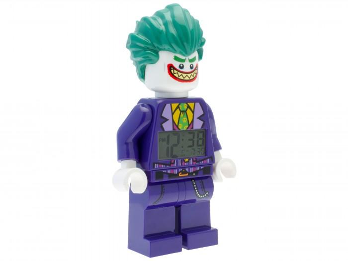Конструктор Lego Будильник Batman Movie The JokerБудильник Batman Movie The JokerLego Будильник Batman Movie The Joker готов стать стильным украшением рабочего стола и помочь с соблюдением режима дня. С новым будильником вы точно не опоздаете в школу! Электроника не подведет, и сигнал раздастся точно в указанное время. И не забудьте выключить часы в выходные, чтобы отдохнуть после утомительной школьной недели.  К тому же, в вашем распоряжении будет яркая и интересная игрушка. В гости зашли друзья? Предложите им разыграть интересное сражение или отправиться на сложную миссию в далекую страну. Несколько фигурок — и фантазии будет где разгуляться. У фигурки есть подвижные детали, и ей будет несложно придать нужную форму. Очередная головокружительная победа гарантирована!<br>