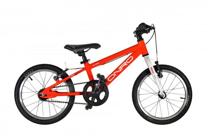 Велосипед двухколесный Runbike детский Onro 16детский Onro 16Велосипед двухколесный Runbike детский Onro 16 - первый велосипед для ребенка, который уже подрос и освоил беговел.    Особенности:  Подходит детям с ростом от 98 см Легкий Алюминиевая рама и комплектующие Оба тормоза на руле - для свободного катания и занятий Легкосплавные обода + покрышки Kenda Kvest 16  Параметры:  Рама: Алюминиевый сплав 6061 (1,8T, 2,2T, 3,8T), колесная база 75 см, рулевой угол 71&#778;, подседельный угол 71&#778;, горизонтальные дропауты, кареточный узел BSA. Каретка: Картридж BSA Neco B910 (промоподшипники). Рулевая колонка: 1-1/8 Руль: Алюминиевый, 490 мм. Вынос руля: Алюминиевый, 28,6/50 мм. Грипсы: EVA пена с торцевыми накладками Передний тормоз: V- brake, алюминиевый, регулируемый Задний тормоз: V- brake, алюминиевый, регулируемый Передняя звездочка: 36 зубьев Задняя звездочка: 18 зубьев Шатуны: Алюминиевые Prowheel, 102 мм, защита цепи. Втулки колес: Алюминиевые Обода колес: Алюминиевые, 16 Покрышки колес: KENDA Kvest 16*1,5 Камеры колес: KENDA 16*1.5/1.75 AV Седло: Onro 16 детское, регулируемый угол наклона, регулируемый вылет, стальные рамки. Высота седла регулируется под длину ноги от 41 до 55 см. Зажим седла: Алюминиевый QR, легкая регулировка без ключа.<br>
