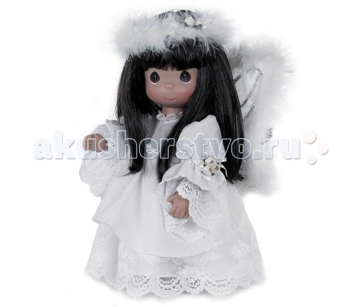 Precious Кукла Неземная Красота брюнетка 30 смКукла Неземная Красота брюнетка 30 смКоллекционная кукла Precious Moments Неземная Красота очарует вас и вашу дочурку с первого взгляда!   Кукла с темными волосами одета в шикарное платье, оформленное кружевами. За спиной у куколки - большие полупрозрачные крылья с перьями, которые с легкостью можно отстегнуть. У куклы милое личико с большими карими глазами. На голове - белоснежный обруч из перьев.    Особенности:  Вся одежда съемная.   Кукла изготавливается из качественного, безопасного материала и имеет пять базовых точек артикуляции.   Кукла имеет свой неповторимый образ и характер.   Волосы прошитые, из качественного синтетического волокна или крученых ниток, в зависимости от образа. Рост куклы 30 см.<br>