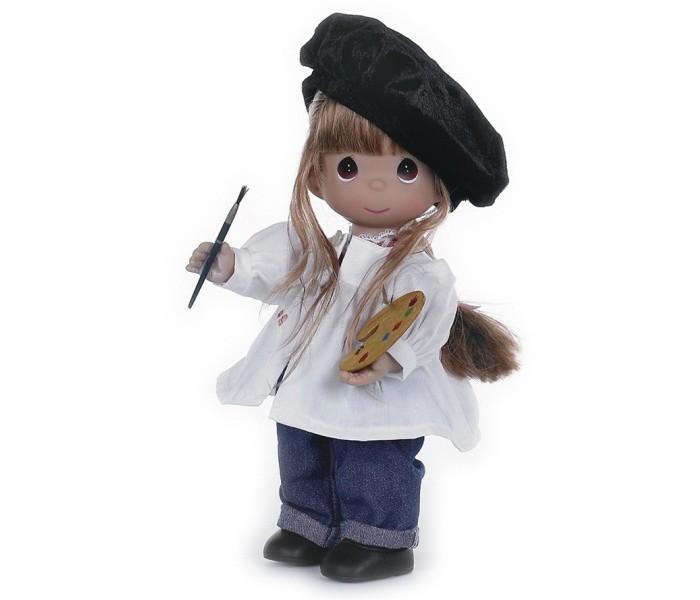 Precious Кукла Художница брюнетка 30 смКукла Художница брюнетка 30 смКоллекционная кукла Precious Moments Художница очарует вас и вашу дочурку с первого взгляда!   Кукла станет любимой игрушкой вашей дочурки. Художница одета в синие штанишки и белую рубашку со следами краски. Образ куклы дополняет черный берет. У куколки темные волосы и большие карие глаза. В набор входит палитра и кисть для рисования. Вся одежда куклы съемная.    Особенности:  Вся одежда съемная.   Кукла изготавливается из качественного, безопасного материала и имеет пять базовых точек артикуляции.   Кукла имеет свой неповторимый образ и характер.   Волосы прошитые, из качественного синтетического волокна или крученых ниток, в зависимости от образа. Рост куклы 30 см.<br>
