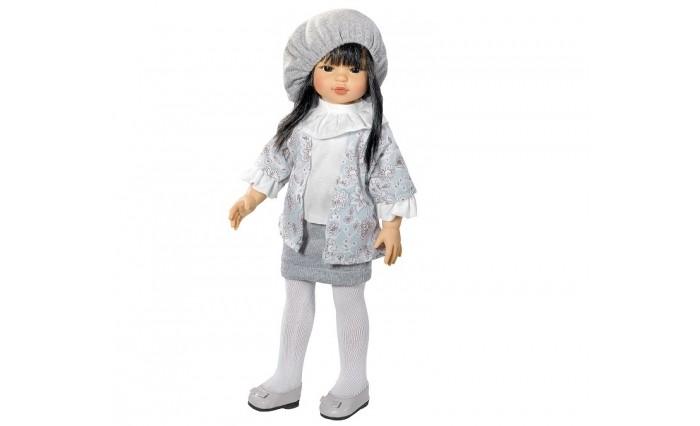 ASI Кукла Каори 40 см 203940Кукла Каори 40 см 203940ASI Кукла Каори 40 см 203940 - эта прекрасная куколка завораживает своей азиатской внешностью.  Черные, как смоль волосы этой куколки, аккуратно украшает берет. Куколка Каори одета в нарядный костюмчик пастельных тонов. Образ дополняют белоснежные колготочки и лакированые туфельки.  У куклы длинные ровные ноги, позволяющие ей устойчиво стоять на ногах.  Все куклы ASI создаются с использованием ручного труда. В каждую куколку мастер вкладывает свою душу! Ваш ребенок сразу почувствует тепло и доброту, которая исходит из этой маленькой игрушки.  Особенности:  Куклы ASI сделаны очень качественно Без запаха   Используется безопасный твердый винил Видна прорисовка мельчайших подробностей тела, рук и ног<br>