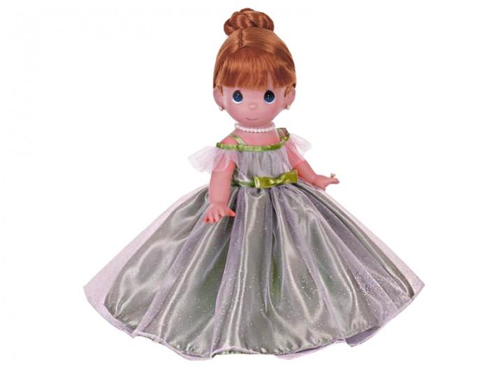 Precious Кукла Самая красивая рыжая 30 смКукла Самая красивая рыжая 30 смКоллекционная кукла Precious Moments Самая красивая рыжая очарует вас и вашу дочурку с первого взгляда!   Кукла одета в шикарное зеленое платье с пышной юбкой, покрытое блестками. На ногах - туфельки в цвет платья. Рыжие волосы куклы убраны в вечернюю прическу. Очаровательный образ дополняют украшения - ожерелье, сережки и кольцо.   Особенности:  Вся одежда съемная.   Кукла изготавливается из качественного, безопасного материала и имеет пять базовых точек артикуляции.   Кукла имеет свой неповторимый образ и характер.   Волосы прошитые, из качественного синтетического волокна или крученых ниток, в зависимости от образа. Рост куклы 30 см.<br>