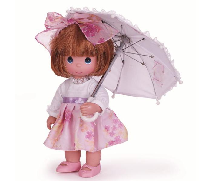 Precious Кукла С зонтиком 30 смКукла С зонтиком 30 смКоллекционная кукла Precious Moments С зонтиком очарует вас и вашу дочурку с первого взгляда!   Кукла с зонтиком обязательно привлечет внимание вашей малышки и не позволит ей скучать. Куколка одета в нарядное платье, на ножках - розовые ботиночки. Дополнением к прическе служит текстильный бантик. В наборе с куклой имеется зонтик.   Особенности:  Вся одежда съемная.   Кукла изготавливается из качественного, безопасного материала и имеет пять базовых точек артикуляции.   Кукла имеет свой неповторимый образ и характер.   Волосы прошитые, из качественного синтетического волокна или крученых ниток, в зависимости от образа. Рост куклы 30 см.<br>