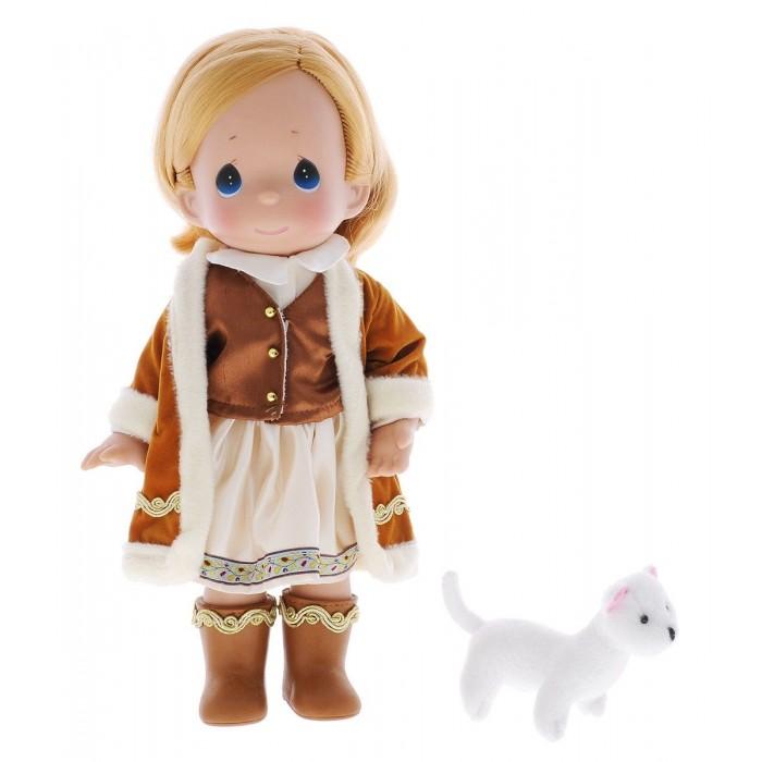 Precious Кукла Герда 30 смКукла Герда 30 смКукла Precious Moments Герда очарует вас и вашу дочурку с первого взгляда!   Кукла одета в теплую шубку, на ногах у нее - коричневые сапожки. У девочки русые волосы и большие глаза синего цвета. В руках кукла держит мягкую игрушку.    Особенности:  Вся одежда съемная.   Кукла изготавливается из качественного, безопасного материала и имеет пять базовых точек артикуляции.   Кукла имеет свой неповторимый образ и характер.   Волосы прошитые, из качественного синтетического волокна или крученых ниток, в зависимости от образа. Рост куклы 30 см.<br>
