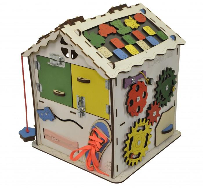 Деревянная игрушка Iwoodplay Развивающий домикРазвивающий домикДеревянная игрушка Iwoodplay Развивающий домик igd-01-01 поможет малышу развить мелкую моторику, координацию движения, внимание, усидчивость, творческое и логическое мышление, помощь в освоении бытовой деятельности, что способствует развитию самостоятельности малыша.  Цветовое исполнение возможно в различных вариантах. Бизидом выполнен из качественных и безопасных для детей материалов.  Бизиборд включает в себя следующие поля:  Набор дверей с замочками (3 шт). Каждая дверь оборудована своим типом замка, открытие дверей происходит в разные стороны; Почтовый ящик; Трещотка рыбацкая; Набор шестерен круглых; Набор шестерен квадратных;  Кроссовки со шнуровкой и липучкой;  Зиппер;  Кнопка - амортизатор;  Фигурки на пружинке; Часы; Лабиринт из 5 фигур; Вращающийся валик; Шкантовый сортер (на крыше); Магнитное поле, на котором можно писать мелом; Ящичек-тайничок для маленьких игрушек. Цифры на липучке;  Размер домика: 30х30х40 см Рекомендации по уходу: Протирка влажной тряпкой<br>