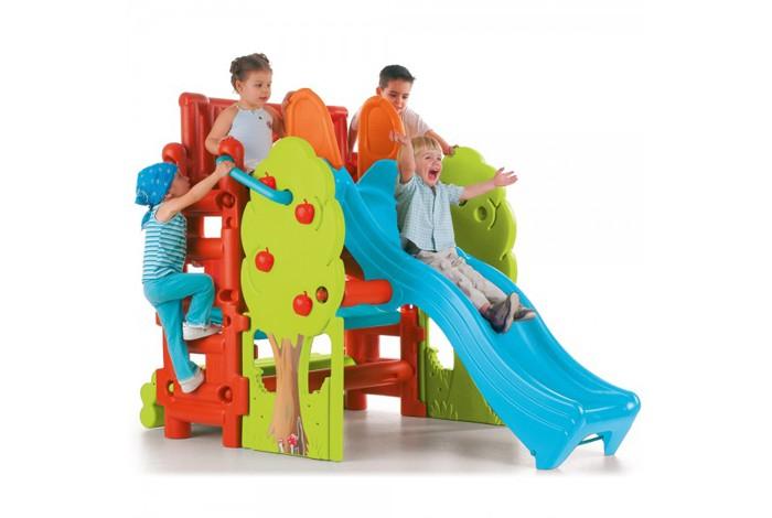 Feber Центр с горкой скамейкой и столомЦентр с горкой скамейкой и столомFeber Центр с горкой скамейкой и столом этот оригинальный игровой центр понравится всем детям и их родителям.   Комплекс предлагает несколько тем для игр, поэтому на площадке может находиться сразу несколько детей. Пока один ребенок будет кататься на горке, другие могут играть в башне, лазать по импровизированным деревьям с помощью хватов или играть в игрушки на скамеечке. Игровой комплекс идеально подходит для установки во дворе частного дома или на дачном участке.   Комплекс состоит из горки, столика, скамейки и гимнастической лесенки.  Горка имеет волнообразную поверхность скольжения и высокие желоба, что обеспечивает безопасность ребенка во время спуска.  Комплекс изготовлен из прочного пластика, отвечающего всем стандартам качества и безопасности.   Размер: 200 х 125 х 139 см  Размер упаковки: 120 х 64 х 86 см  Вес: 31 кг  Возраст: от 3-х лет  * Производитель оставляет за собой право вносить изменения в цветовую гамму и комплектацию товара без дополнительного уведомления!<br>