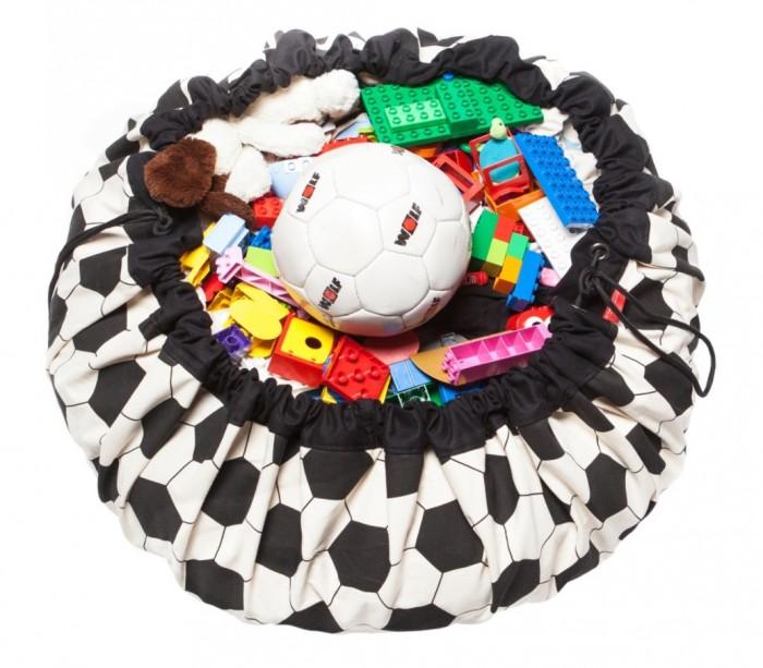 Play&amp;Go 2 в 1: мешок для хранения игрушек и игровой коврик Футбол2 в 1: мешок для хранения игрушек и игровой коврик ФутболPlay&Go 2 в 1: мешок для хранения игрушек и игровой коврик Коллекция Print Футбол – настоящая мечта каждого малыша. Хранение игрушек в вашем доме - настоящая проблема? Откройте для себя мешки Play&Go!  Это простой и эффективный способ хранения игрушек. Кроме того, это необычайно весело! Два в одном: мешок для хранения игрушек – это ещё и игровой коврик – настоящая мечта каждого малыша. Даже хранение деталей конструктора перестанет быть проблемой, а также хранение кукол, машинок, мячиков, кубиков – все это легко собирается одним движением.   Диаметр: 140 см Уход: стирка при температуре 30°C Материал: 70% хлопок, 30% полиэстер.<br>